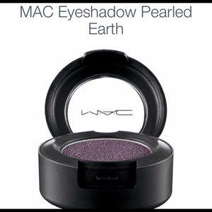 Mac eyeshadow-Pearled Earth Color